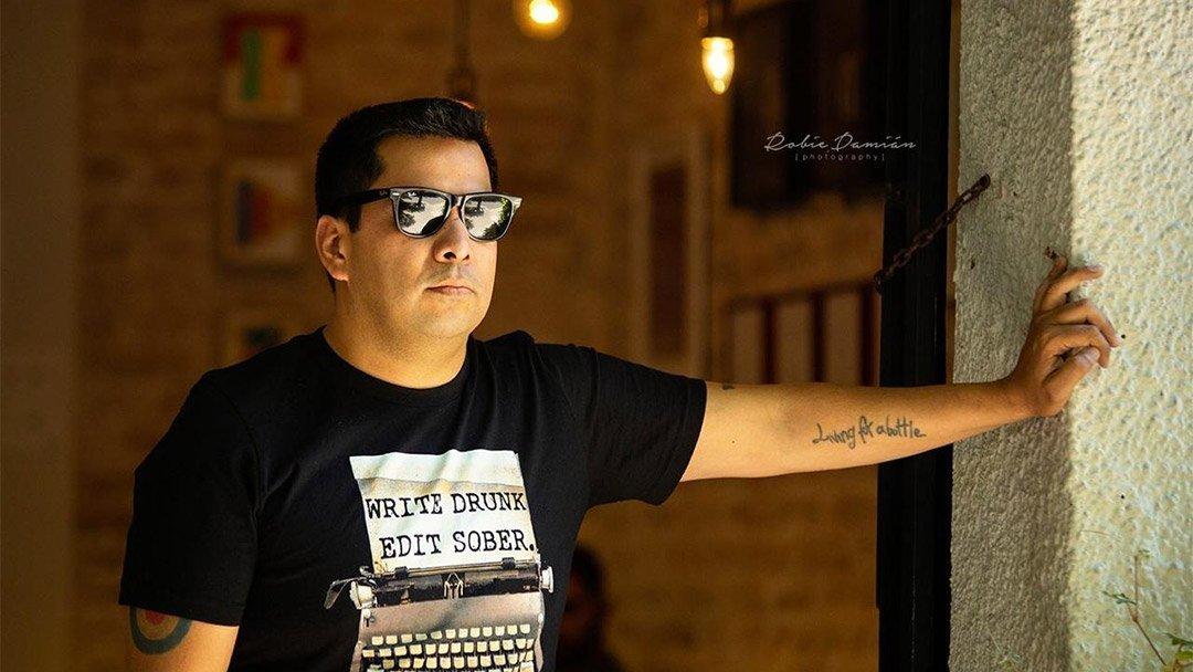 Carlos Velázquez – Despachador de Pollo Frito
